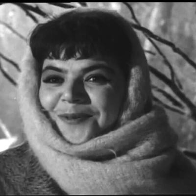 Майя Кристалинская - А Снег Идёт (Из К/Ф Карьера Димы Горина)