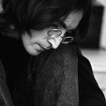 Найден отрывок письма Джона Леннона королеве