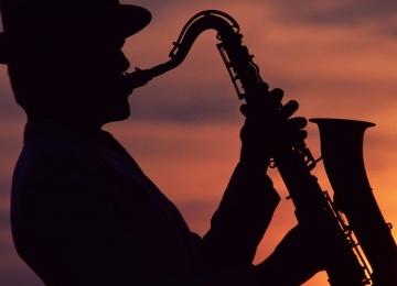 Ритмы джаза на музыкальных вечерах в Dewar's Powerhouse