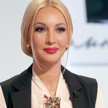 Беременная Лера Кудрявцева станет бабушкой