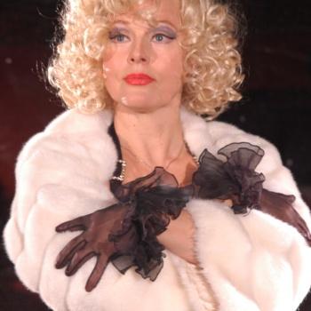 Елена Кондулайнен в 60 лет не стесняется откровенных фотосессий