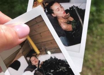 """Победительница """"Холостяка"""" дразнит поклонников снимками из ванны"""