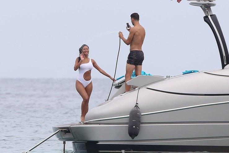 Папарацци поймали Николь Шерзингер и ее бойфренда на яхте